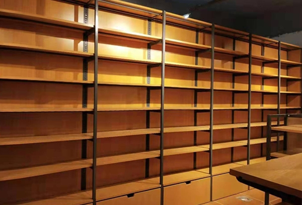 钢木图书架